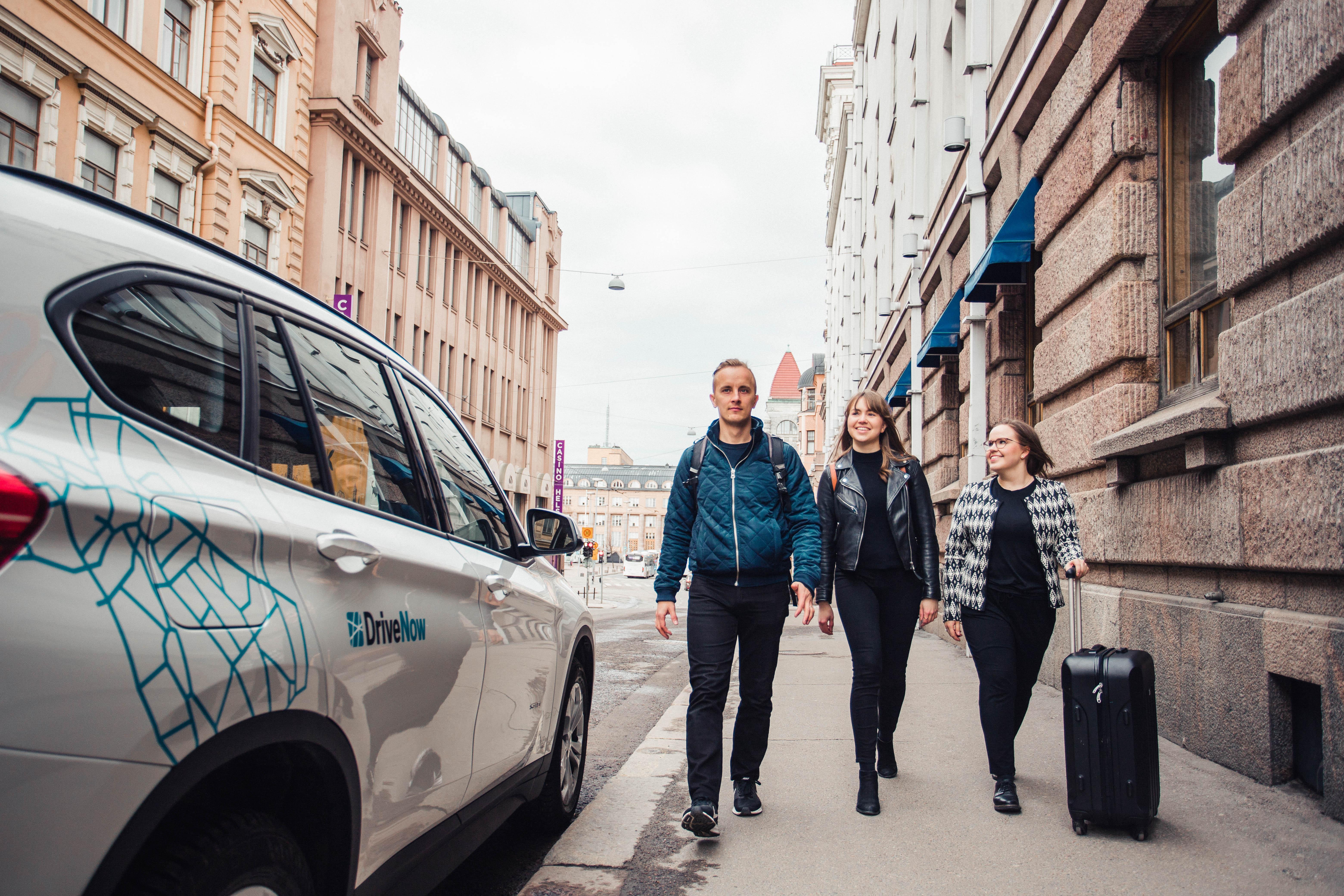 DriveNow:lla Helsinki-Vantaan lentokentälle.
