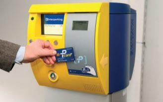 Comment scanner la Pcard sur l'appareil pour entrer et sortir d'un garage interparking