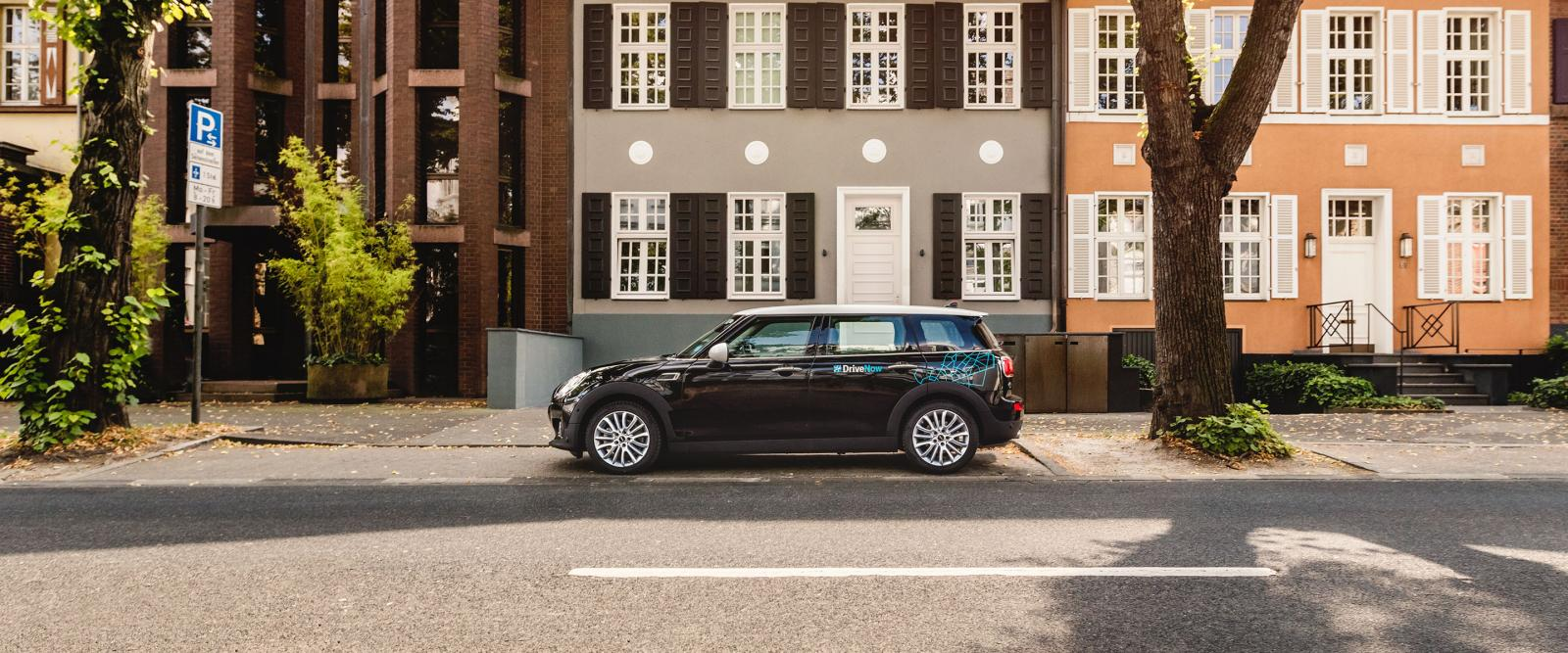drivenow_dusseldorf_mini_clubman_parking_blog