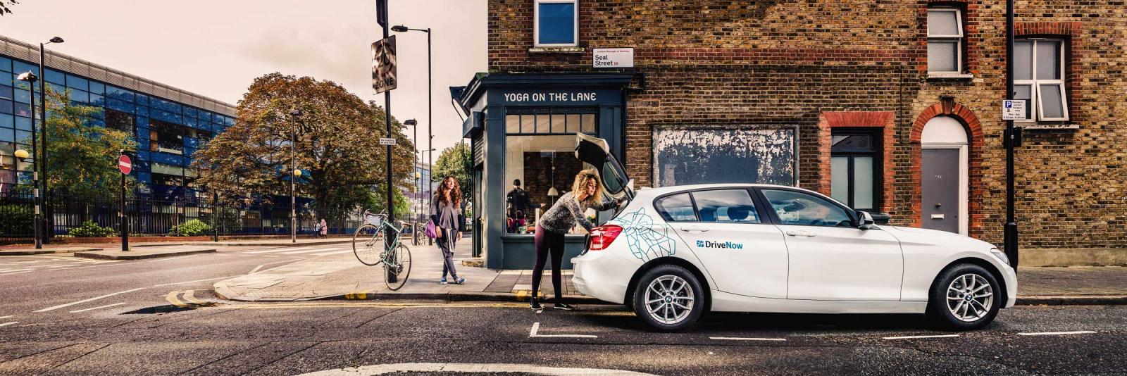 DriveNow_BMW_1Series_London_Yoga