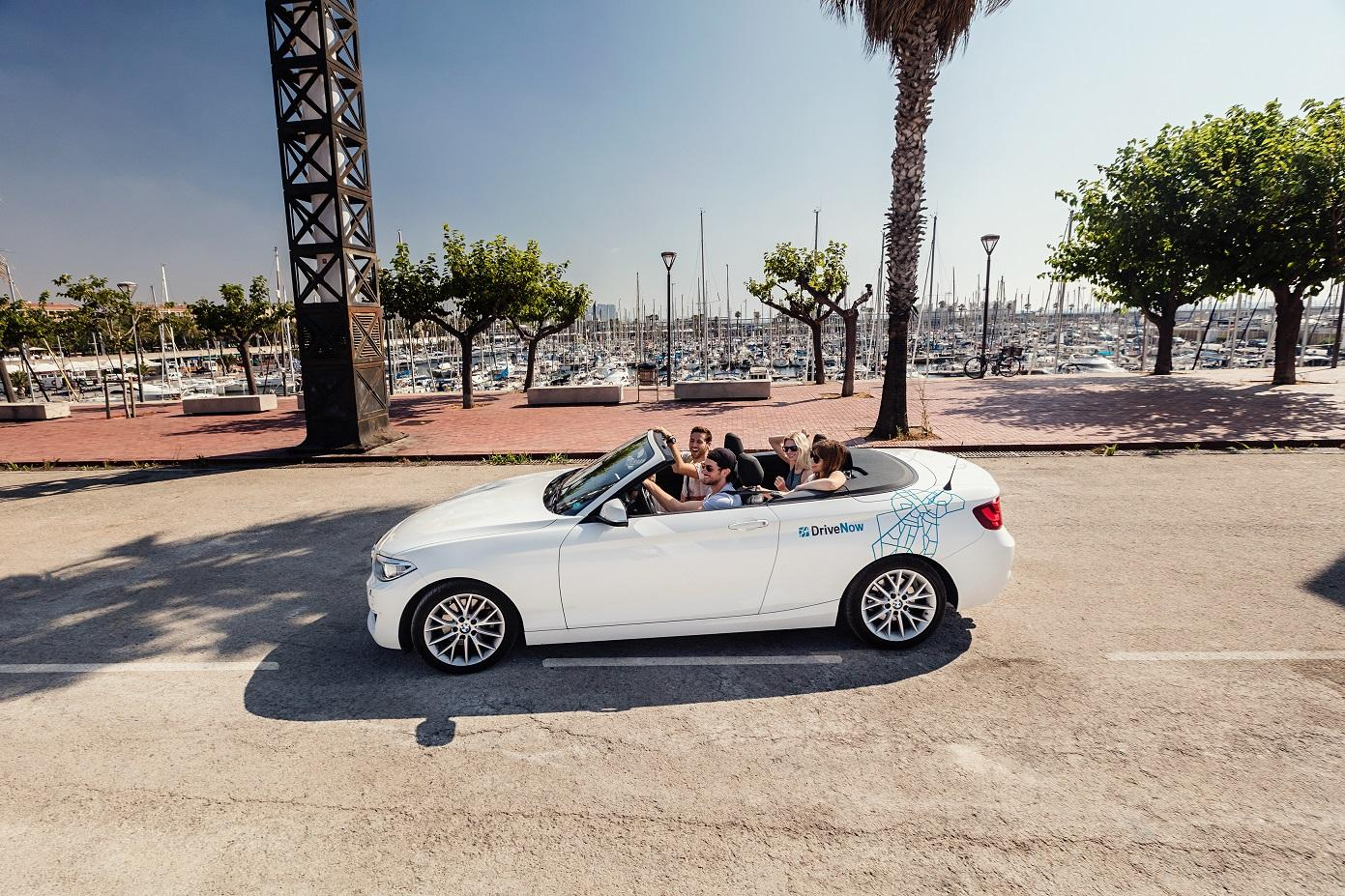 drivenow_bmw_2series_convertible_trip_with_friends