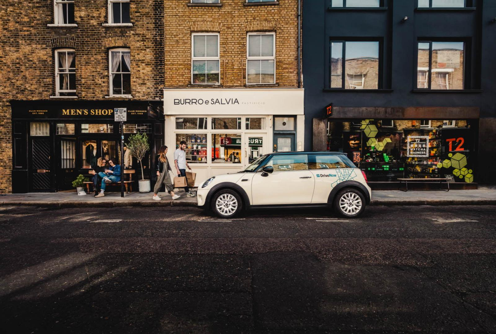 drivenow_mini_hatch_london_shopping