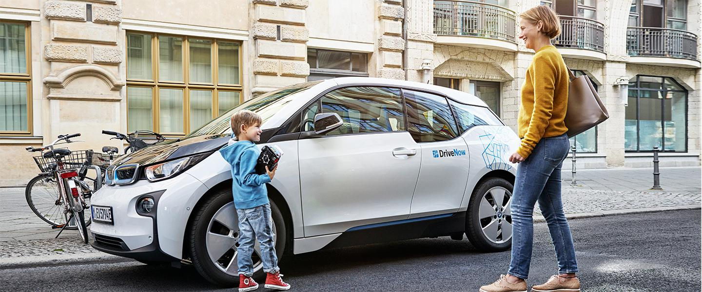 drivenow_bmw_i3_shopping_family_blog
