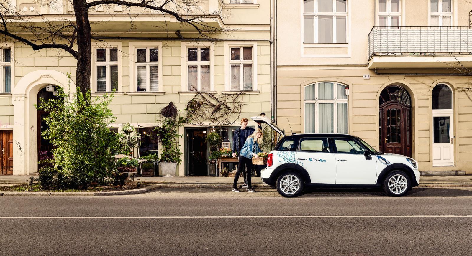 car sharing in berlin car club in berlin drivenow. Black Bedroom Furniture Sets. Home Design Ideas