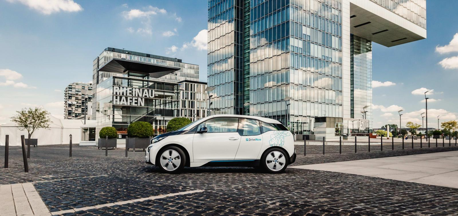 drivenow_cologne_bmw_i3_driving_business