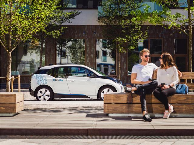 drivenow_stockholm_bmw_i3_parking_02_jpg