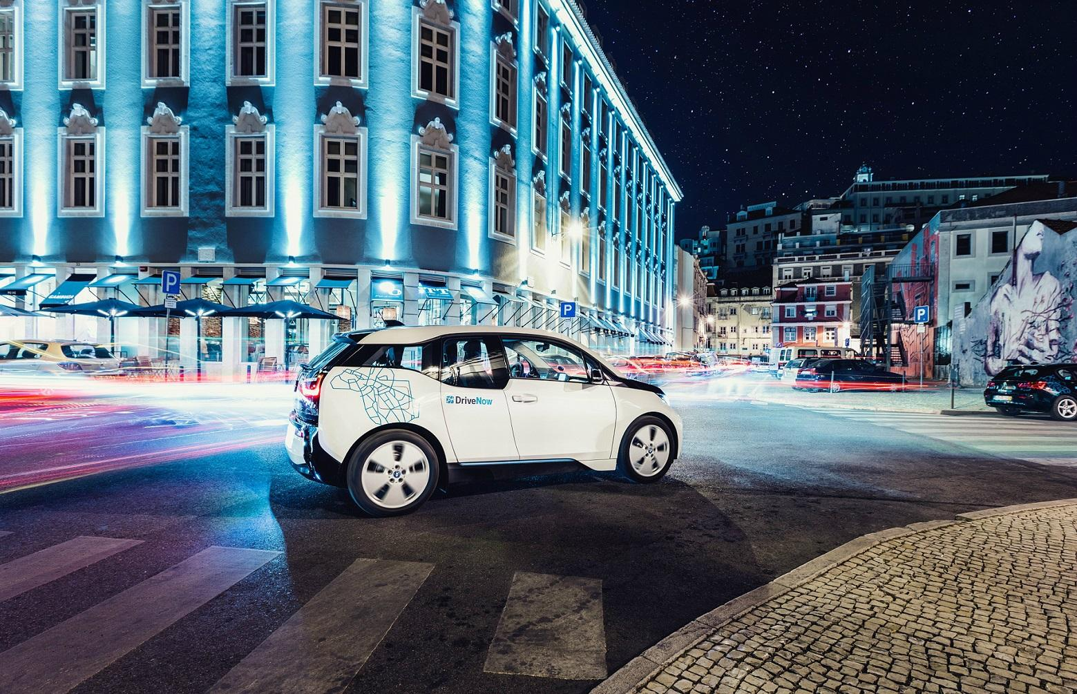 lp_all_stage_bmwi3_night_lisbon