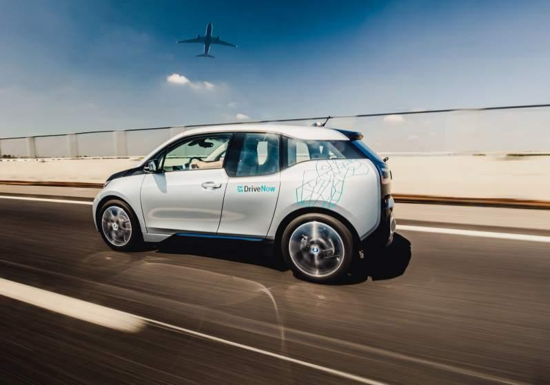 drivenow_milan_bmw_i3_driving_airport