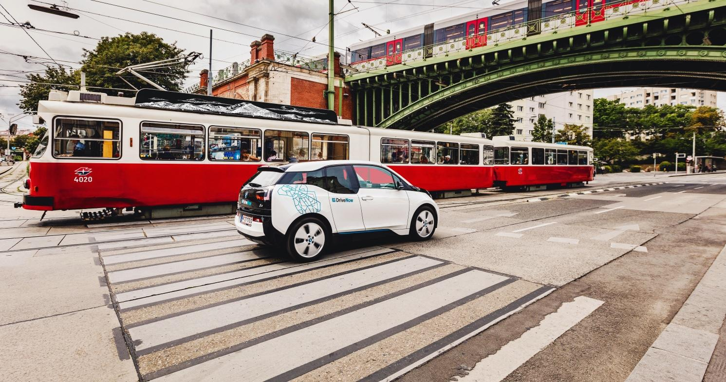lp_video_vienna_bmw_i3_public_transport