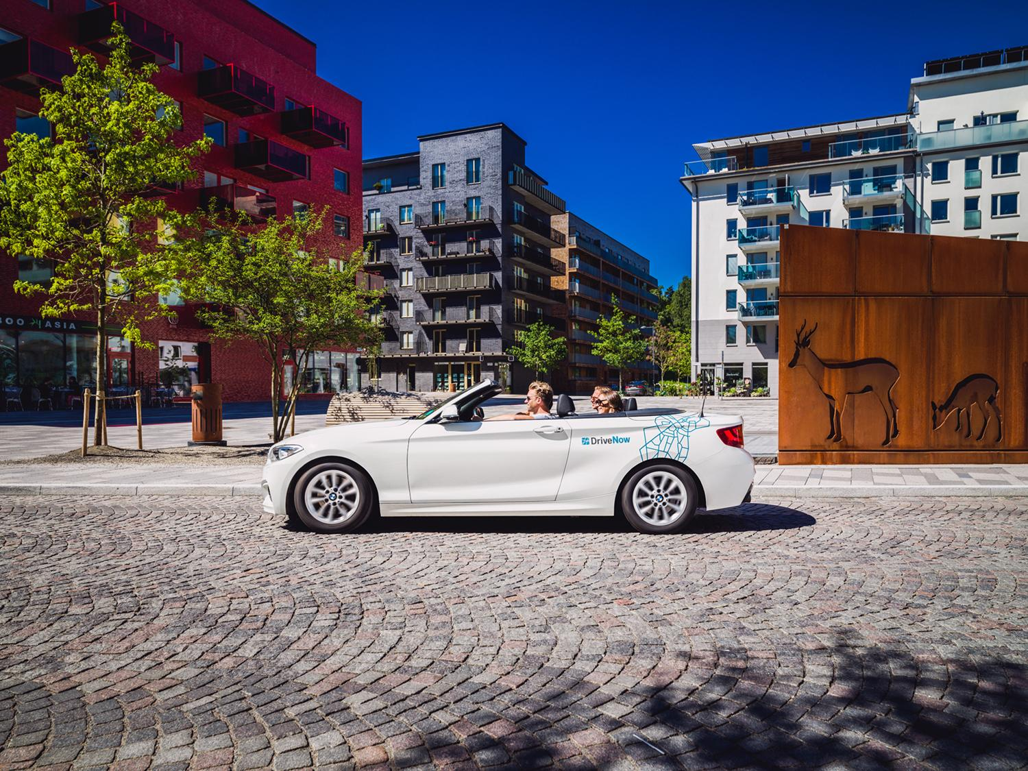 DriveNow_Stockholm_BMW_2Series_Convertible_Driving_forminskad