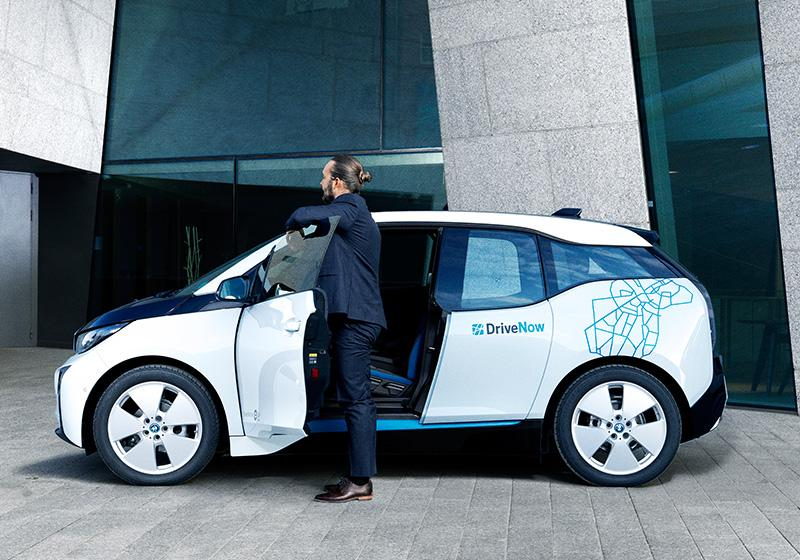 DriveNow_carsharing_helsinki_cars-overview-bmw-i3