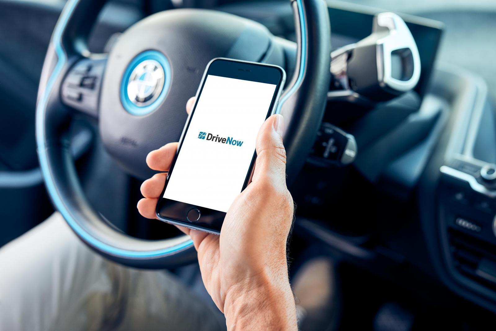 DriveNow_BMW_i3_App_inCar