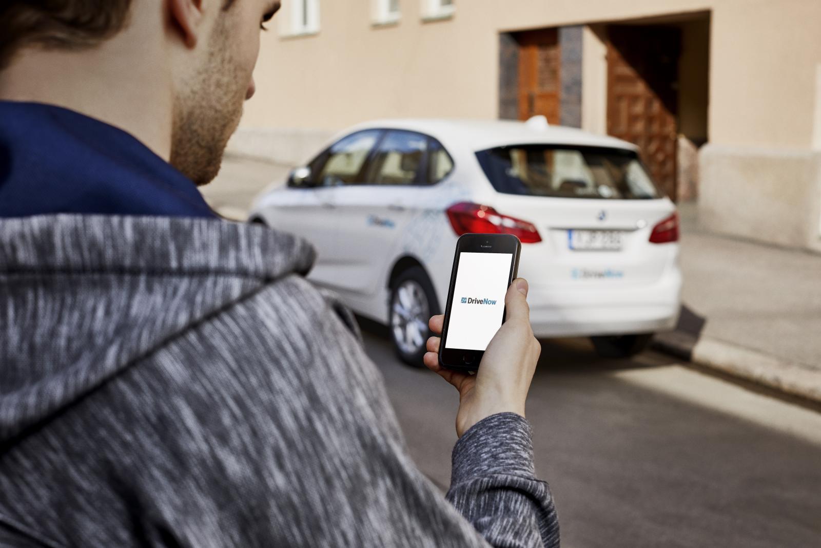 DriveNow_Helsinki_BMW_2Series_ActiveTourer_App