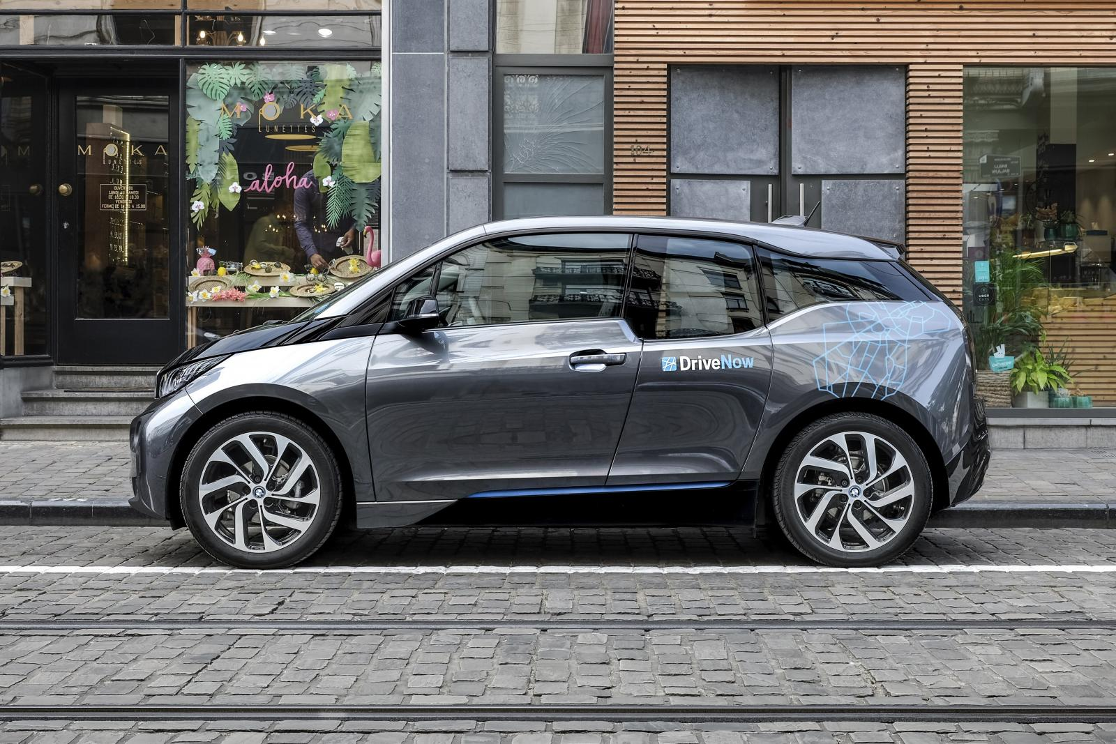 drivenow_brussels_bmw_i3_parking_c