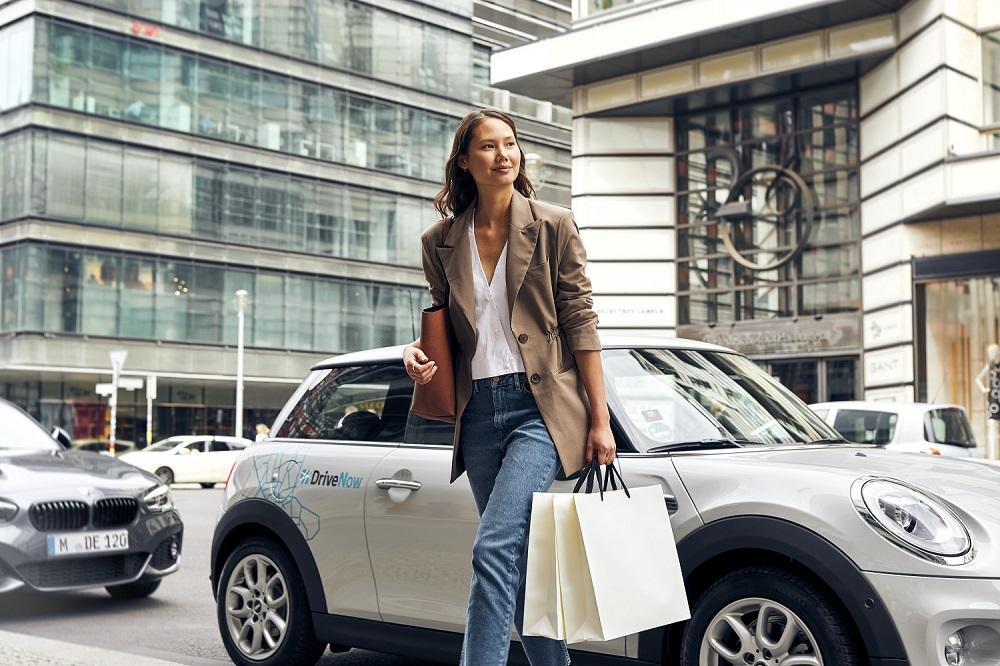drivenow_lifestyle_mini_3_door_shoppingklein
